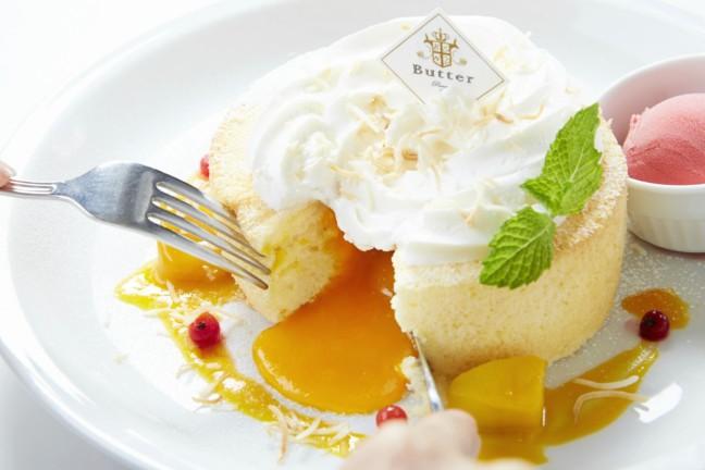 パンケーキ専門店『Butter』の夏季限定メニュー☆マンゴーソースを合わせたスフレにカラフルフルーツのフレンチパンケーキなど、暑い夏を楽しむ美味しさいっぱいです♪