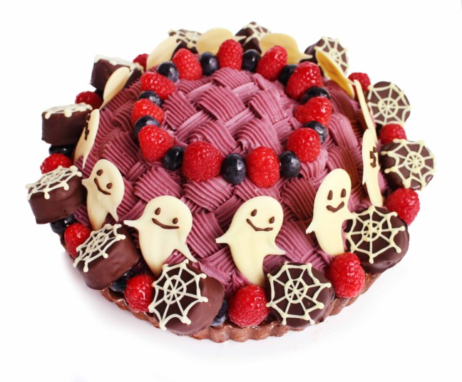 「カフェコムサ」のハロウィン限定ケーキは写真に残したくなる!かぼちゃやおばけがいっぱい飾られた、色鮮やかなアート感溢れるケーキです☆