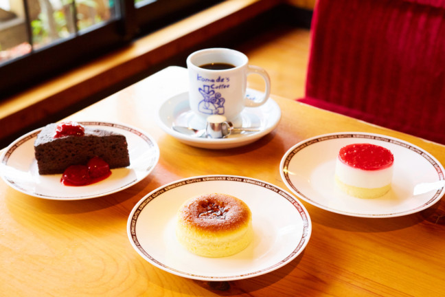冬のコメダには冬の美味しさを添えて♪とろ~りチーズが美味しいスフレケーキなど、新作ケーキが冬のカフェタイムを楽しくする♡