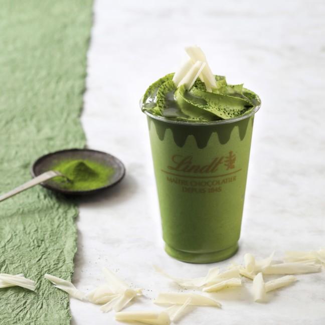 春の新緑を思わせるグリーンに癒される♡濃い抹茶とチョコレートの味わい楽しめる「リンツ ホワイトチョコレート 濃い抹茶 アイスドリンク」