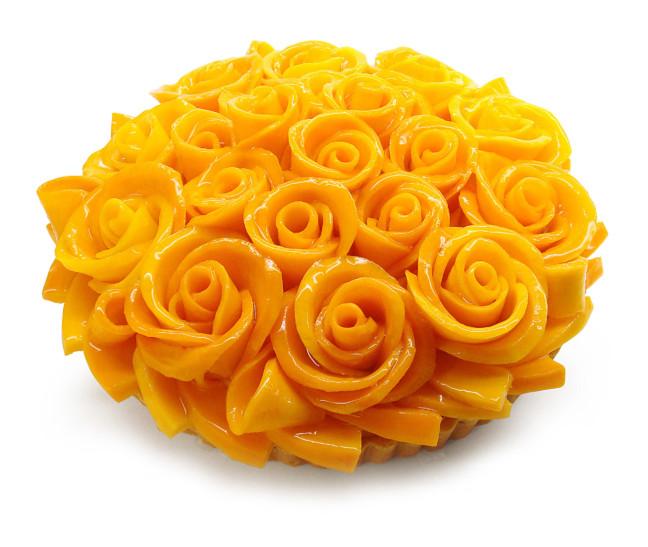 まるでブーケみたいな華やかケーキ☆カフェコムサ銀座店限定のプレミアムケーキは宮崎県産完熟マンゴー「太陽のタマゴ」をたっぷり楽しめる!
