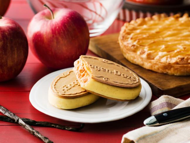 ひんやりアップルパイの味わいで楽しむ秋のハーゲンダッツ♪リンゴとバニラの華やかな美味しさ広がるクリスピーサンド『アップルパイ ~バニラカスタード仕立て~』