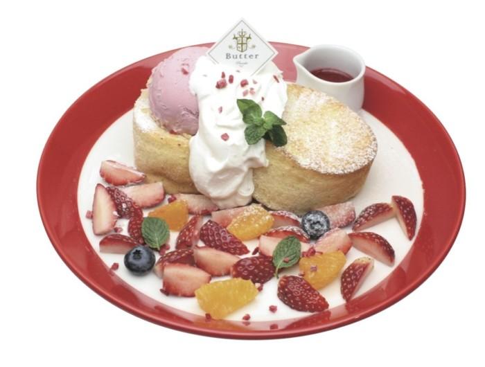 ふわふわのパンケーキに思わずウットリ♡パンケーキ専門店『Butter』の春の「いちごフェア」に幸せいっぱいのメニューが登場!
