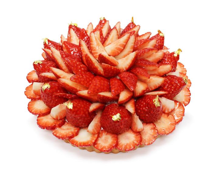 日本中から厳選したいちごを贅沢に使ったカフェコムサの苺フェア☆華やかで大胆なデザインが魅力的♡ちょっと高めだけど食べる価値アリ!