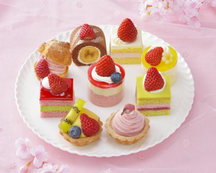 春を感じるプチケーキ♡銀座コージーコーナーの苺やさくらの華やかなプチケーキセットで笑顔溢れるひとときを♪
